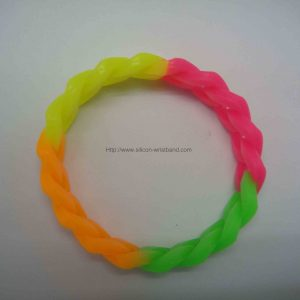 custom-made-rubber-wristbands_1645.jpg
