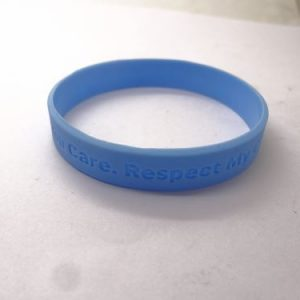 custom-vinyl-wristbands-no-minimum_365.jpg