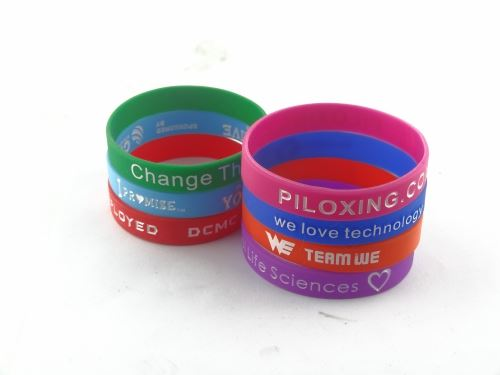Cheap silicone wrist with what color