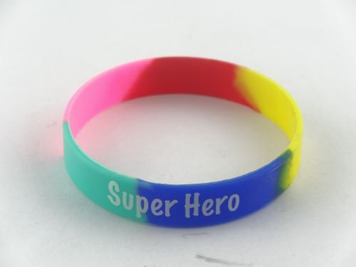 Silicone bracelet how to wear the best look?