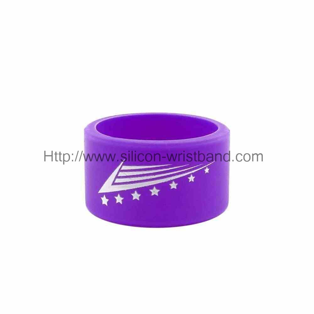 We provide free silicone bracelet sample for you.