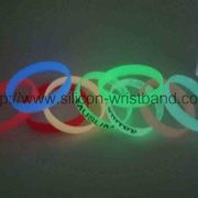 design-your-own-wristbands_2383.jpg