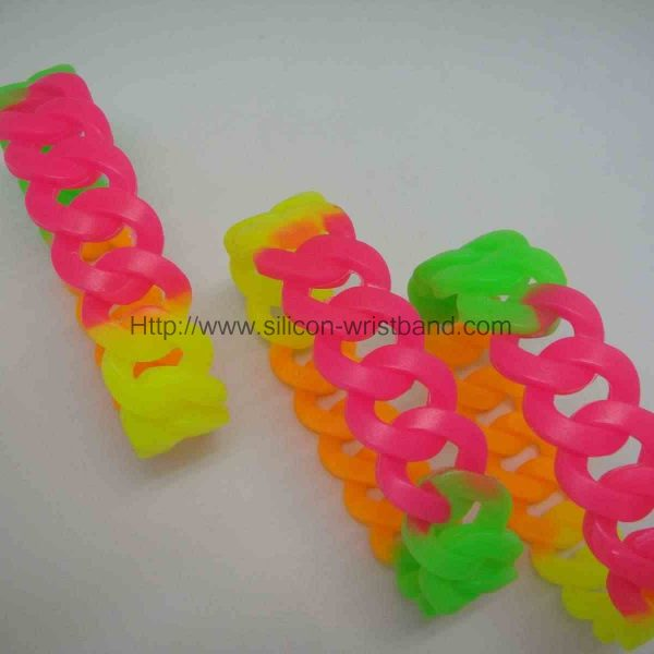 personalized-silicone-wristbands_3441.jpg