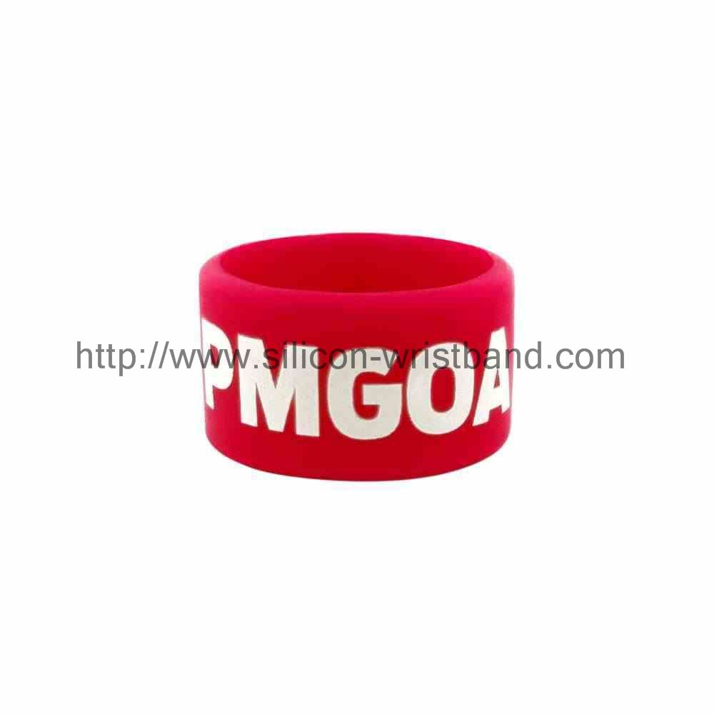 Generally buy a number of silicone wrist with concessions?