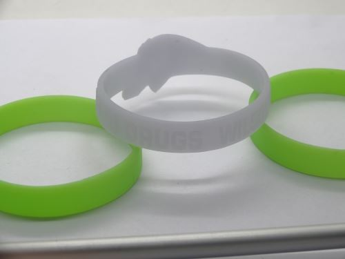 personalised-silicone-wristbands-uk_6089.jpg