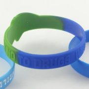 make-your-own-silicone-bracelet_6970.jpg